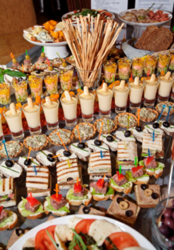 Buffet BBQ Hapjes Tapas Lunch High tea en Salade catering Brakel Zuilichem en Gameren